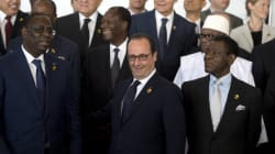 Hollande répond à Sarkozy à Dakar: