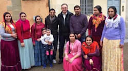 Il governatore della Toscana con i rom:
