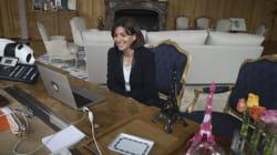 Travail du dimanche: Hidalgo fait campagne contre la loi Macron en