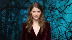 Anna Kendrick Nails Holiday