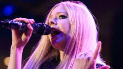 Avril Lavigne Reveals Struggle With Lyme