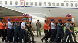 Life Jacket On AirAsia Victim Raises Questions About Plane's Last