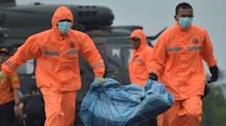 AirAsia: un autre corps repêché et les recherches sont difficiles