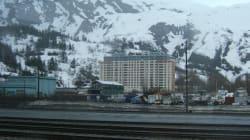 Whittier, cittadina dell'Alaska, dove tutti vivono sotto lo stesso tetto (FOTO,