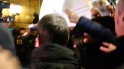 Militanti 5 Stelle impediscono a Walter Rizzetto di entrare al Nazareno
