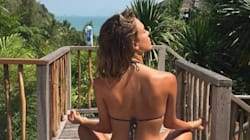 Jessica Alba Meditates In A Bikini, Looks