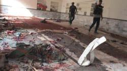 Pakistan, attacco a moschea sciita durante la preghiera: oltre 60