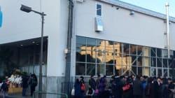 「ブルーボトルコーヒー」が東京・清澄白河にオープン 店の前には大行列
