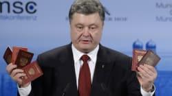 Le président ukrainien brandit des passeports qu'il dit appartenir à des soldats
