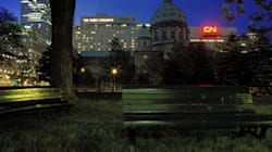 Vues sur Montréal: une bannière géante expose la métropole sous divers angles