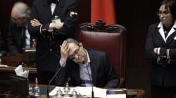 Riforma Senato: è scontro Pd-M5s. Rissa alla camera, seduta
