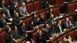 Le opposizioni abbandonano l'Aula, saranno da Mattarella martedì