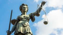 Plainte de défenseurs du français contre le juge en