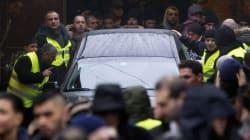500 personnes à l'enterrement de l'auteur des attentats de