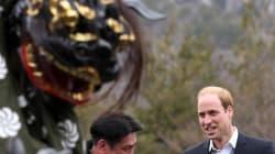 獅子舞がウィリアム王子に......うわあああああ!(画像)