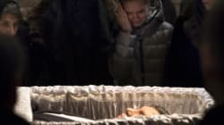Funerali per Boris Nemtsov, in migliaia alla camera ardente (DIRETTA