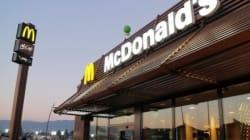 McDonald's nega il panino al ragazzo down: gli mancavano pochi