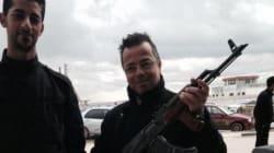 Buonanno in Libia con il kalashnikov: