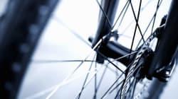 Une cycliste meurt happée par un