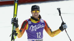 Le Canadien Dustin Cook remporte la médaille d'or au Super-G de