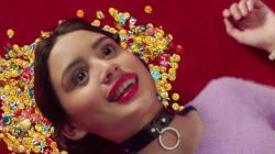 Charli XCX : Un clip complètement sauté pour