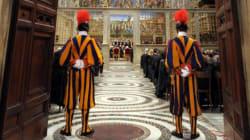 Francesco porta i senzatetto nella Cappella Sistina