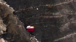 Un des pilotes était coincé hors du cockpit pendant la chute de