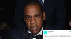 Pourquoi vos artistes préférés ont une photo de profil bleue sur les réseaux
