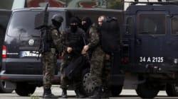 Turchia, l'incubo continua. Uomo armato entra nella sede del partito di Erdogan,