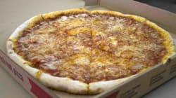 Une femme accusée d'agression à la pizza