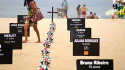 Em memória das crianças mortas: ONG faz enterro simbólico em Copacabana para pedir