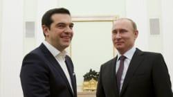 Tsipras abbraccia Putin e fa arrabbiare Bruxelles