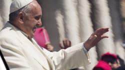 La pape salue le cardinal