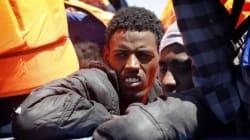 Barcone capovolto in mare a 80 miglia dalla Libia: recuperati 9