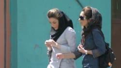 Iran, une jeunesse en crise: un cocktail