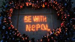 Au moins 3700 morts au Népal, les secouristes arrivent du monde