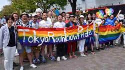 「学校の先生も味方だよ」LGBTパレード、みんなが掲げたメッセージは?(画像集)