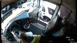 Le geste dangereux de ce conducteur aurait pu être fatal pour trois