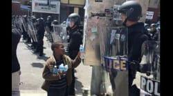 La foto scattata a Baltimora racconta quello che i media non