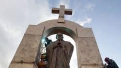 En Bretagne, la justice ordonne le retrait de cette statue de Jean-Paul