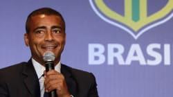 Dieu du foot devenu politicien, Romário conquiert les cœurs