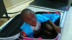 L'enfant caché dans une valise a retrouvé sa