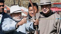 PHOTOS (ICYMI): Modi Wore Traditional Dress, Played An Instrument, Shot An Arrow During Colourful Mongolia