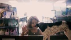 捨てられた犬や猫を、ペットショップに並べてみたら......(動画)
