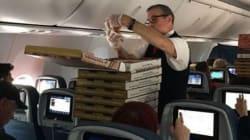 Le pilote d'un avion retardé commande des pizzas pour tous ses