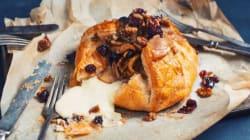 Brie fondant en croûte avec poires caramélisées à la