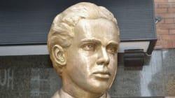 Un bronze en hommage à André
