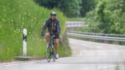 In bici da Torino a Berlino per vedere la sua Juve in