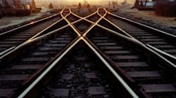 Scattavano selfie sulle rotaie dei treni, multati 16 minorenni di