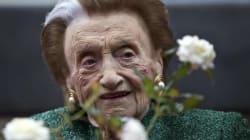 Addio a Micol Fontana, l'ultima delle tre sorelle stiliste. Aveva 102 anni